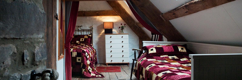 Ty Fferm Hen Bedroom
