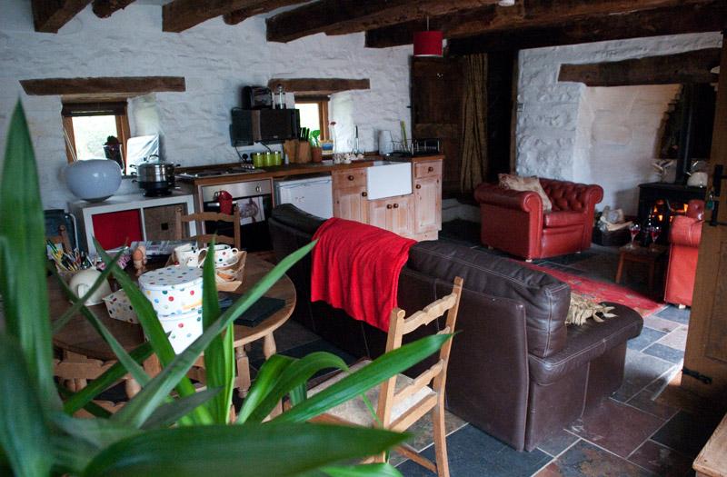Ty Fferm Hen - Living Room